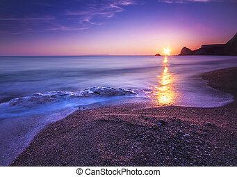 Serene South Dorset Beach and Sea at Sunset - The sun sets...