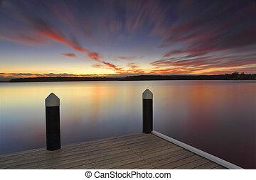 sereno, tramonto, a, kikatinalong, molo, australia