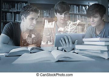serieuze , jonge mensen, studerend , geneeskunde, samen, met, futuristisch, interface, in, universiteit, bibliotheek