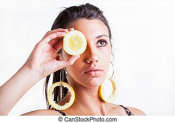 Serious lemon eye
