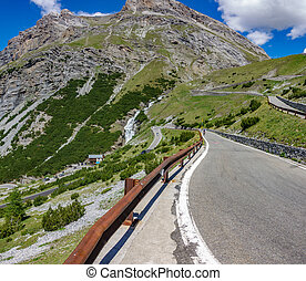 Serpentine road, Stelvio Pass from Bormio - wide angle view ...
