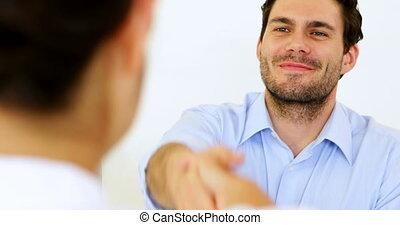 serrer main, homme affaires, métier
