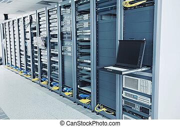 serverraum, vernetzung