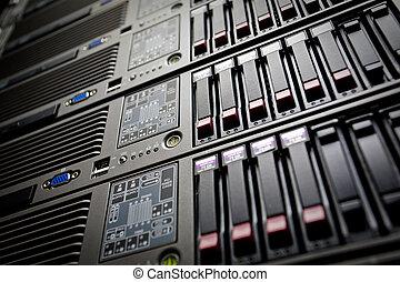 servers, stapel, met, harde aandrijvingen, in, een,...