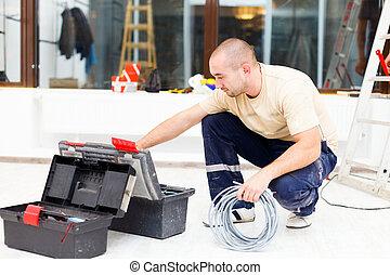 servicio, hombre, con, el suyo, caja de herramientas