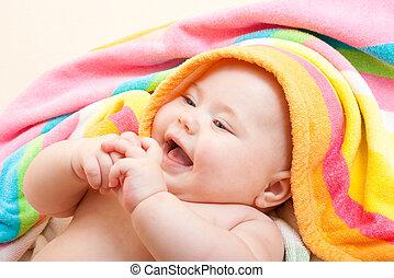 serviette, coloré, après, bain, bébé, adorable, heureux