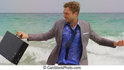 serviette, vue mer, homme affaires, caucasien, 4k, courant, devant, plage