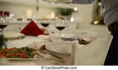 servir, dîner., turkey., unrecogizable, noël, homme