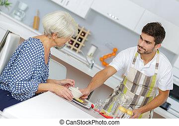servir, fils, sien, bien-aimé, mère, petit déjeuner