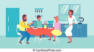servire, famiglia, moderno, tavola, colazione, bambini, lei, dinning, casalinga, interno, felice, appartamento, pieno, seduta, cibo, caratteri, orizzontale, cartone animato, cucina, lunghezza, detenere, marito