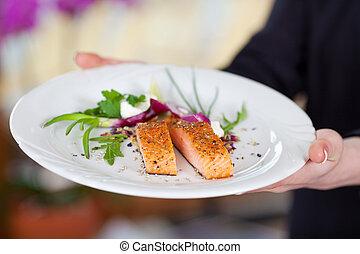 servitris, visa, lax, skål, in, restaurang
