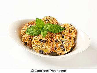 Sesame raisin cookies with pumpkin seeds