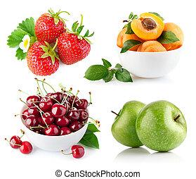 set fresh fruit with green leaf