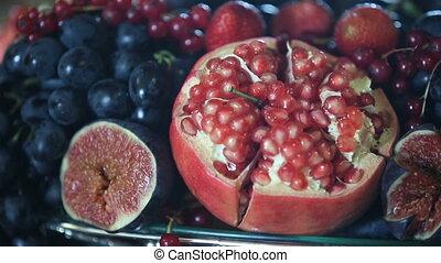 Set of fruits - Fruits, figs, grapes, pomegranates.Set of...