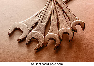 Set of new metallic spanners