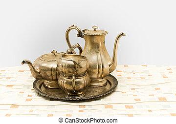 set, tè