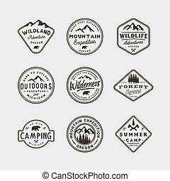 set, van, ouderwetse , wildernis, logos., hand, getrokken, retro, gestyleerd, buitene avontuur, emblems., vector, illustratie