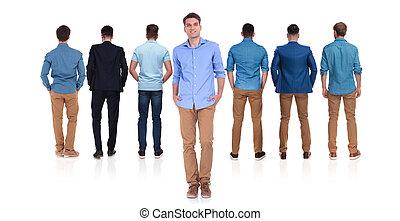 sette, uomini, casuale, fronte, condottiero, vista posteriore