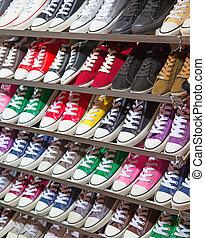 settenkedő, cipők