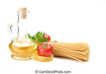 Setting pasta with tomato and garlic