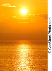 Setting sun - Image shows the sun setting over the...