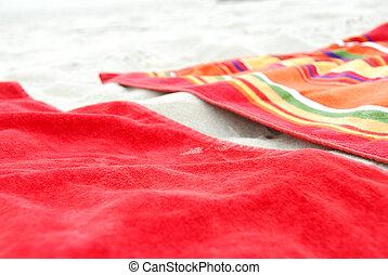 setzen handtücher strand, auf, sand
