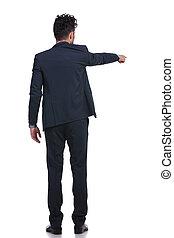 seu, apontar, negócio, jovem, costas, dedo, homem