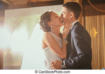 seu, casório, noivo, feliz, noiva