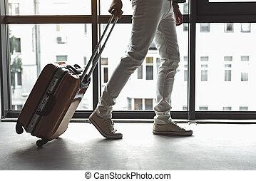 seu, elegante, saco, segurando, trendy, sujeito