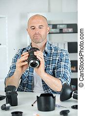 seu, fotógrafo, lente, local trabalho, soldering, macho