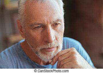 seu, idoso, mão, pensativo, queixo, segurando, homem