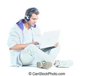 seu, laptop, jovem, escutar música, homem