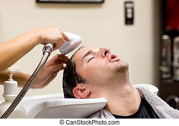 seu, lavado, jovem, caucasiano, cabelo, tendo, homem