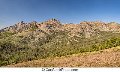 Seven Devils recreation area mountain range in Idaho summer time