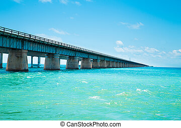 Seven Mile Bridge Florida - View of the old Seven Mile ...