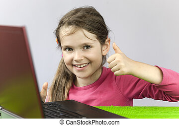 seven-year, girl, vieux, ordinateur portable