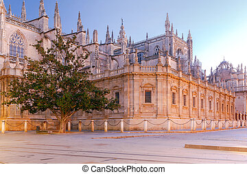 Sevilla. Cathedral in the early morning. - View of the ...
