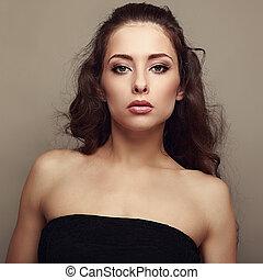 sexet, kvindelig, model, hos, længe, curly, hair., closeup, portait
