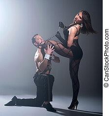 sexuell, game., mann stehen, auf, hes, knie