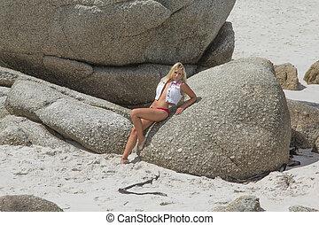Sexy beach Babe