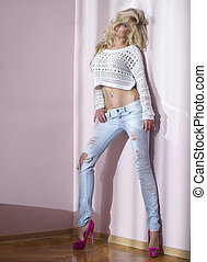 sexy, blond, frau, in, jeans