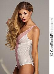 sexy, blond, frau, tragen, pastell, damenunterwäsche