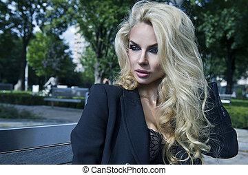 sexy, blondynka, przedstawianie, piękno, ława