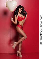 sexy, brünett, valentine, frau, tragen, rotes , damenunterwäsche, mit, herz, balloon., valentines, day.