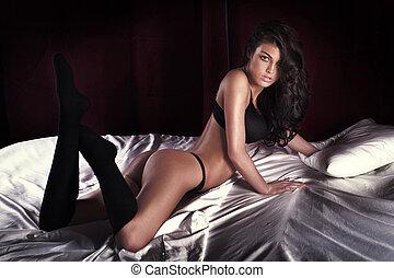 sexy, brunetka, kobieta, przedstawianie
