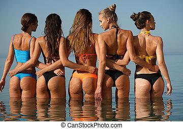 sexy, cinq, femmes, dans, mer