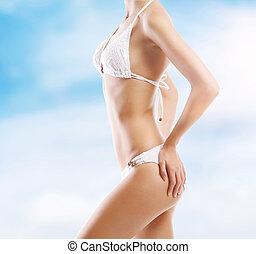 sexy, cuerpo, de, un, mujer joven, en, un, recurso, plano de...