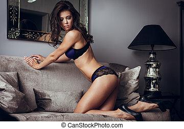 sexy damenunterwäsche, auf, a, sofa