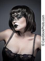 sexy, femme, à, noir, mystérieux, masque vénitien, et, lingerie