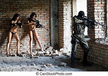 sexy, femmes, jeune, soldat